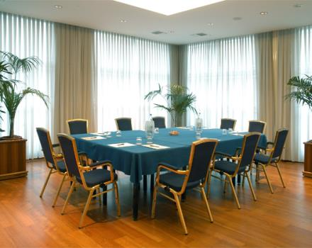 Discover how to organize your conferences in Forlì at the Best Western Hotel Globus City