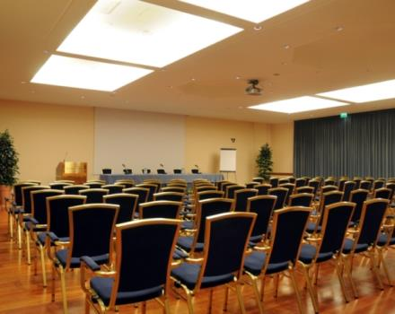 Do you have to organize an event? Are you looking for a meeting room in Forlì? Discover the Best Western Hotel Globus City